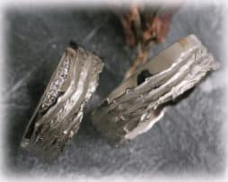 IM123 Eheringe mit 5 Diamanten - 0,08ct, Weißgold 585, gehämmert und poliert