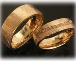 Trauringe Eheringe IM388, 17 Diamanten - 0,25ct, Gelbgold 750, eismatt 1
