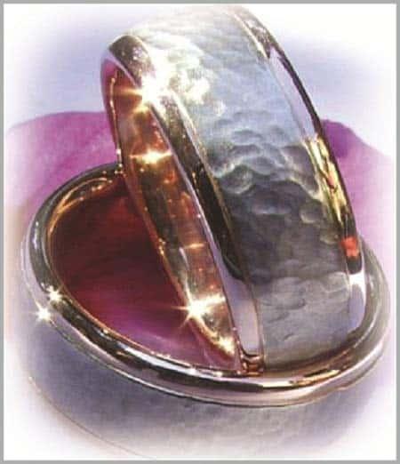 Partnerringe silber gehämmert  kein Steinbesatz (klassisch) Katalog - Trauringe Gold