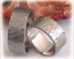 IM297 ausgefallene traruringe klassisch gehaemmert weissgold oder platin