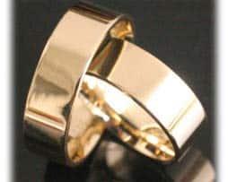 IM334 trauringe klassisch gelbgold poliert