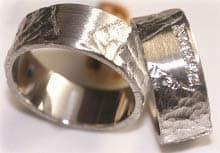 vintage weissgold gehaemmert matt ringe