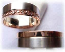 IM210-TrauringeEheringe-11-Diamanten-011K-BicolorRotgold.jpg