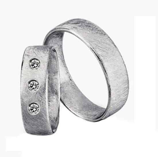 Trauringe weißgold eismatt  Trauringe/Eheringe IM248, 3 Diamant - 0,06K, Weißgold oder Platin ...