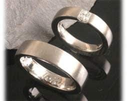 IM300 eheringe platin 950 mit princess diamant feinmatt 1