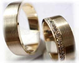 IM306-TrauringeEheringe-11-Diamanten-011K-Weißgold-oder-Platin-600950-längsmattpoliert.jpg