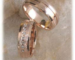 IM307 trauringe rosegold rotgold eismatt mit diamanten 1