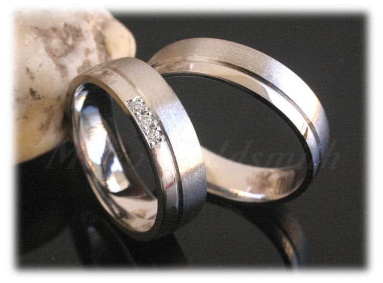 Weißgold eheringe matt  Trauringe/Eheringe IM320, 3 Diamanten - 0,03K, Weißgold oder ...