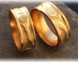 IM520-Diamantringe-Hochzeitsringe-Eheringe-eismatt-gelbgold.jpg