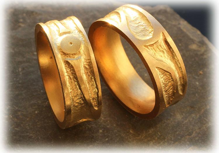 Eheringe gold mit 3 diamanten  Trauringe/Eheringe IM520, 3 Diamanten - 0,03K, Gelbgold, eismatt ...