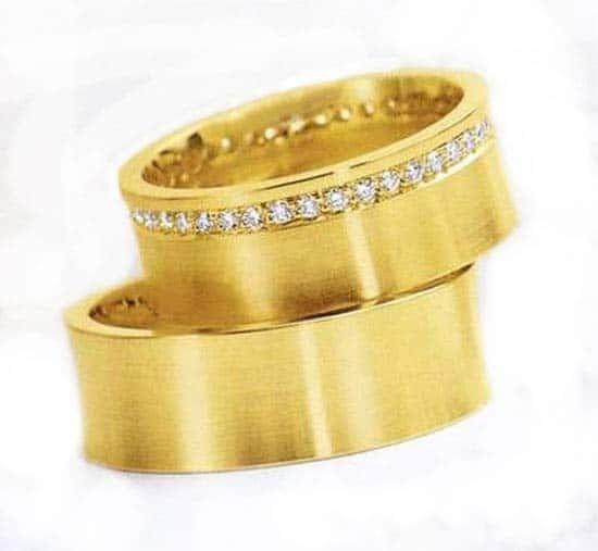 trauringe eheringe im201 41 diamanten 0 50k gelbgold brillantkranz trauringe gold. Black Bedroom Furniture Sets. Home Design Ideas