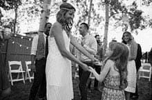 Ein ausgelassenes, heiteres Fest feiern - interessante Hochzeitsideen