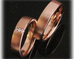 IM376 Eheringe aus Rotgold 585 sandmatt mit 0,10ct diamanten klassisch