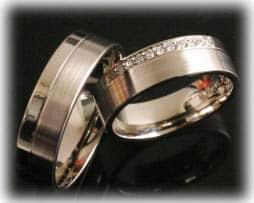 Trauringe Eheringe IM390, 11 Diamanten - 0,15K, Platin oder Weißgold, matt und poliert