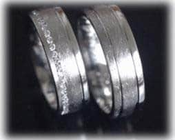 im276-trauringe-eheringe-eismatt-und-poliert-aus-platin-600-mit-brillantkranz-diamanten
