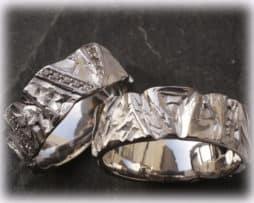IM113 Trauringe Eheringe mit 0,20ct Diamanten, Platin oder Weißgold gehämmert