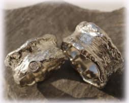 IM114 Trauringe Eheringe Diamanten 0,15ct, Weißgold oder Palladium gehämmert