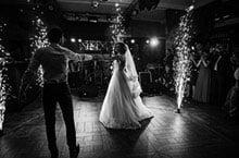 Den festlichen Rahmen bestimmen - fünf Monate vor der Hochzeit