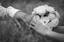 Traditionelle Hochzeitsbräuche aus Frankreich und Ungarn